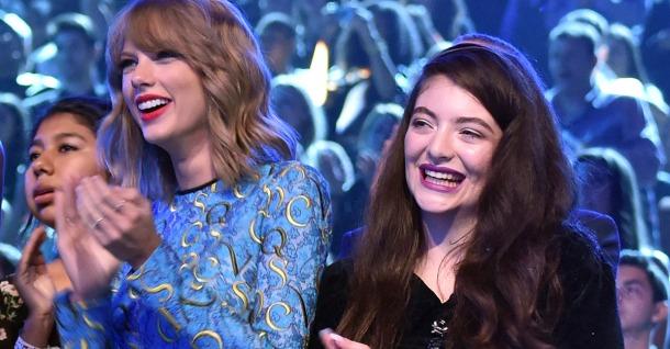 Taylor-Swift-VMAs-Lorde